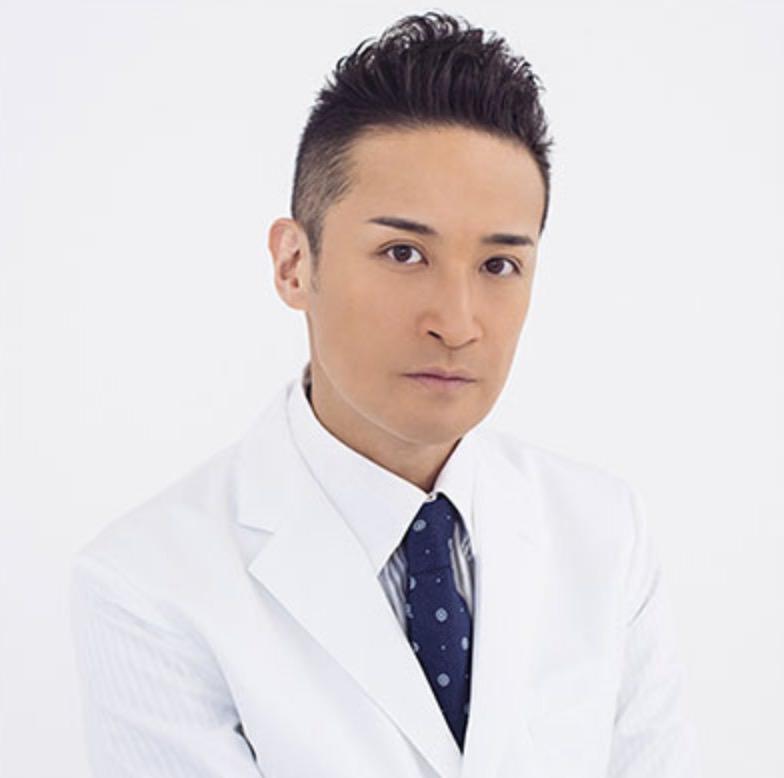 井原侑市役:松岡昌宏