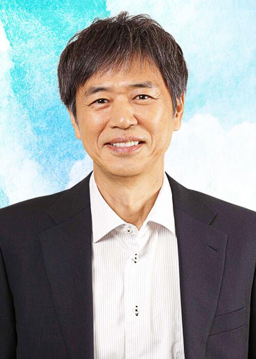 万木平役:時任三郎