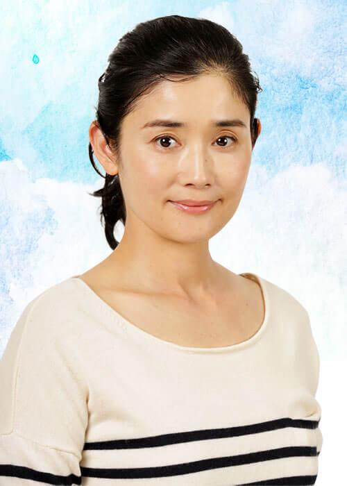 万木里子役:石田ひかり